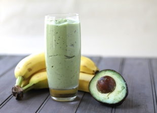 banana-avocado-smoothie
